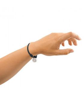 Silver bracelet knots