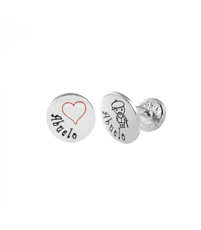 Personalized cufflinks, the ideal gift that will surprise your grandfather.