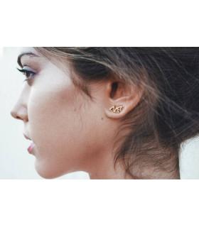 Precious triangle stele earring
