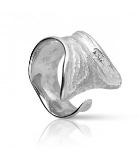 Sterling silver fishtail ring