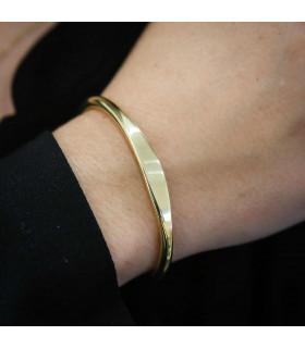 Gold flat bracelet