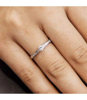 Solitaire engagement ring in white gold