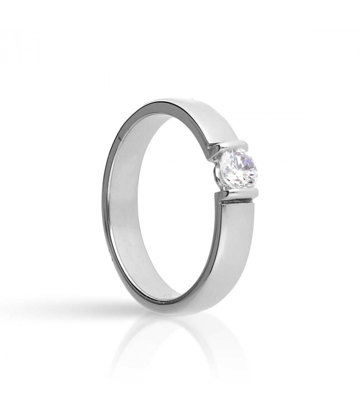 Solitaire pressure ring