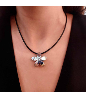Cheap necklace with jasmine in silver