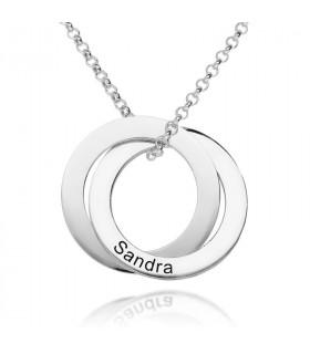 Gargantilla de plata con círculos y nombres personalizados