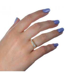 Golden ring with six diamonds