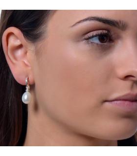 Silver cultured pear earrings