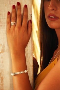 10-thread silver knot bracelet