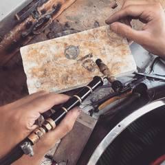 Trabajos personalizados realizados a mano #hechoenespaña  www.joyeriahago.com #joyeria #taller #artesanos #joyaspwrsonalizadas