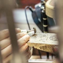 Estas Navidades regalos personalizados hechos artesanalmente 😍 #hechoamano #artesanosjoyeros #hechoenespaña