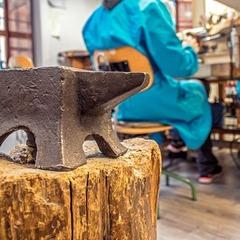 Joyeros Artesanos Encantos del taller 😍 www.joyeriahago.com  . #taller #joyeria #artesanos #tallerdejoyeria #hechoamano #hechoenespaña